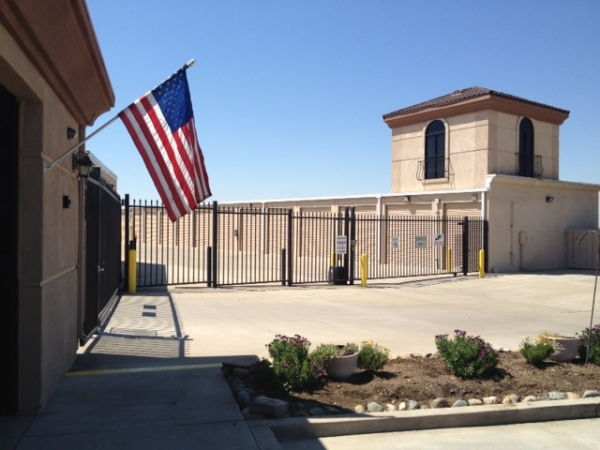 North Natomas Self Storage - Photo 9