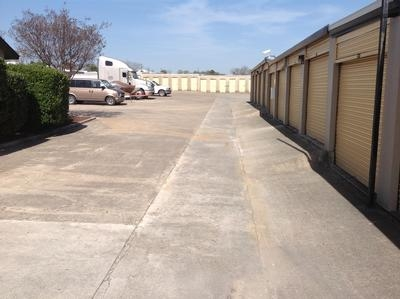 Uncle Bob's Self Storage - San Antonio - Hunt Ln - Photo 5