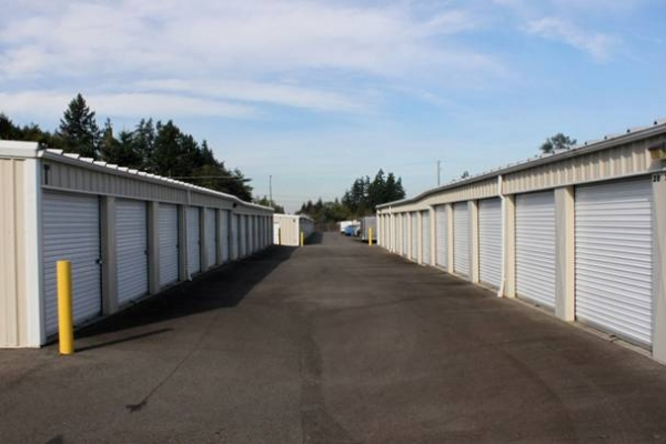 Stor-Eze Heated Self Storage - Photo 4